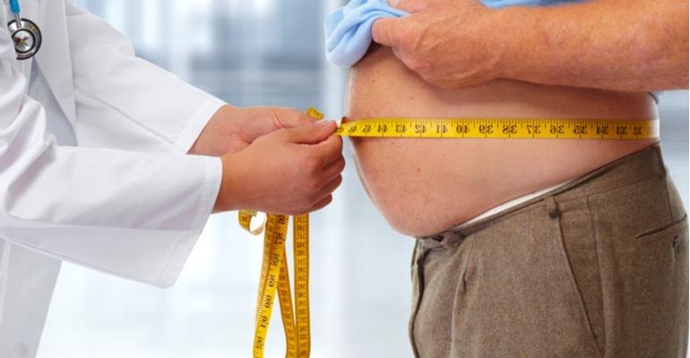 أقل وزن لعملية التكميم